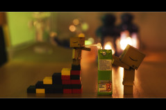 Thirsty 50/366 (Bertus van de Vorstenbosch Photography) Tags: world 2 canon project eos big mark small figure 5d minifigure danbo 366 cartboard revoltech project366 danboard wwwbvdvorstenboschnl