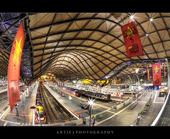 Southern Cross Railway Station, Melbourne | Fisheye :: HDR (:: Artie | Photography ::) Tags: roof station stairs photoshop canon banner platform tracks railway australia melbourne trains curvy victoria southerncross fisheye railwaystation spencer trams 15mm hdr artie spencerstreet cs3 3xp vline photomatix tonemapping tonemap gorillapod 5dm2