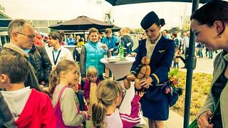 ballonvouwen stewardess eindhoven airport 3 2014