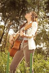 Tyna Ros. (carolinadagach) Tags: chile street santiago musician music art beauty america mexico graffiti df arte photoshoot guitar folk south guitarra spanish musica indie carolina ros cantante callejero tyna tapices dagach