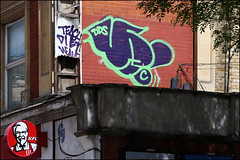 (Alex Ellison) Tags: urban graffiti yeah boobs graff throwup dds northwestlondon throwie