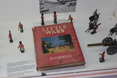 Silloth model soldiers museum. (boneytongue) Tags: museum toy book model little g wells h soldiers wars wargames silloth