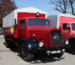 Old Mercedes Truck (The Rubberbandman) Tags: auto old classic truck vintage germany mercedes benz moving outdoor transport lorry german oldtimer van 5000 load freight fahrzeug wilhelmshaven lastwagen lkw laster l5000
