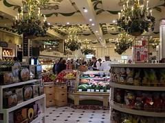 L'picerie chez Harrods (Dahrth) Tags: food london colors raw couleurs harrods londres grocery epicerie gf1 gf120 lumixmicroquatretiers lumixmicro43