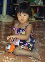 cute girl (the foreign photographer - ) Tags: cute girl portraits thailand nikon sitting child floor bangkok lard bang bua khlong bangkhen d3200 phrao