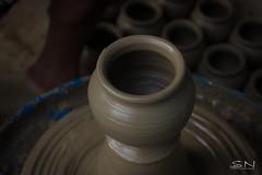 Pot - Full Shape ! (Shanmuga Nathan) Tags: india art canon weekend ngc streetphotography 531 depthoffield pot photowalk manmade pottery 1855mm shan chennai tamilnadu potters twop cwc clickers flickrs artlife thiruneermalai agalvilakku tamilnaduculture traditionallights sandmade chennaiweekendclickers capturemachine shanmuganathanphotography cwcwalk531