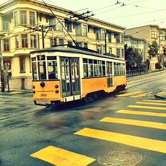 Yello! (SeenyaRita) Tags: sanfrancisco muni missiondistrict streetcar iphone