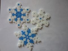 Snowflake (petuniad) Tags: beads hama perler prlplattor hamabeads perlerbeads strijkkralen bgelperlen buegelperlen