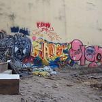 "Graffiti <a style=""margin-left:10px; font-size:0.8em;"" href=""http://www.flickr.com/photos/14315427@N00/6922937963/"" target=""_blank"">@flickr</a>"