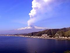 Taormina - 4 Marzo 2012 3 Parossismo (Luigi Strano) Tags: italy volcano europe italia sicily taormina etna sicilia messina mountetna sicile sizilien aetna   vulcani paroxysm  parossismo