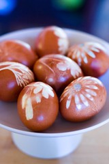 natural dye easter eggs (rosidae) Tags: eastereggs naturaldye howtomake onionskindye