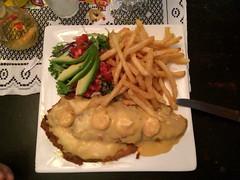"Santa Helena: poissons frits, sauce crevette <a style=""margin-left:10px; font-size:0.8em;"" href=""http://www.flickr.com/photos/127723101@N04/26339338134/"" target=""_blank"">@flickr</a>"