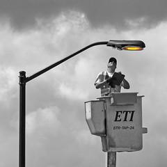 Light Check (DewCon) Tags: streetlight hoist