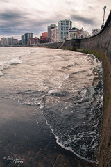 High tide... (Pablev) Tags: sea water canon 1750 sanlorenzo tamron olas 500d canonistas