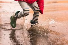 18/52 Lluvia (Nathalie Le Bris) Tags: water rain lluvia jump agua eau child pluie drop salto gota splash enfant nio goutte saut sauter saltar