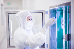 Cleanroom pass-through (Hejemoni (@fbauzonx on Instagram)) Tags: california blue portrait white lab sandiego science biotech portraiture highkey strobist