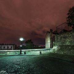 France / Paris / Montmartre (Pablo A. Ferrari) Tags: street longexposure sky urban paris france night noche calle montmartre urbano francia nuit nocturne parisian parisien pabloferrariphotography