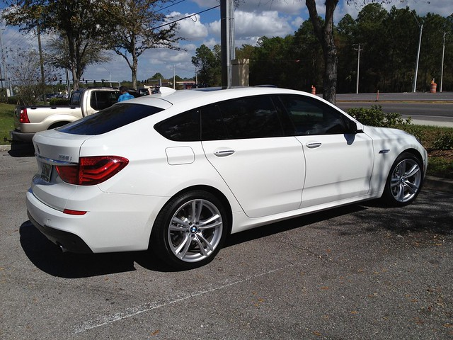 new white car sunshine palms tampa wagon automobile florida five parking lot starbucks bmw gt hatchback granturismo thirty 535i