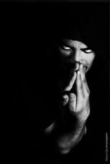 La Ilíada (NROmil) Tags: portrait man blanco luz yoga noir simone retrato negro bn vida bianco dolor cosa belleza weil poema fuerza sensación ilíada rogar suplicar
