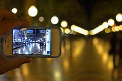 Un iPhone 4S, Un Nikon D7000 y La Explanada de Alicante (Fotomondeo) Tags: people españa valencia night noche spain nikon gente bokeh alicante iphone d7000 nikond7000 iphone4s appleiphone4s
