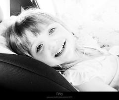 Niña (Ivan Pawluk) Tags: santafe art argentina photography design ar retrato niña ojos rosario fotografía ivanpawluk