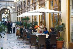 Galerie Vivienne Café (john weiss) Tags: france geotagged îledefrance fra 75002 18200vr d80 labm labf paris02bourse labcf geo:lat=4886676855 geo:lon=233977675 paris02gallerievivienne 2011paris4736 galeriesvivienneandcolbert