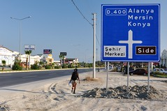 D-400 (bazylek100) Tags: road woman girl sign turkey highway motorway board side türkiye manavgat turcja d400