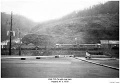 L&N C30-7s with coal train (Robert W. Thomson) Tags: railroad train diesel kentucky railway trains locomotive trainengine ge hazard ln dash7 c307 louisvilleandnashville sixaxle
