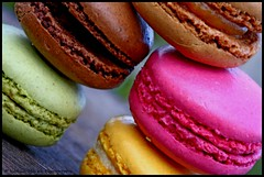 macarons :) (Nati photography) Tags: pink stilllife food macro verde green colors canon rosa dolce colori dolci macarons macaron kolory ciastko kolorowy ciasteczka supercontest isettepeccaticapitali nataliamucha