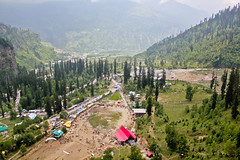 A view from the top of Solang valley (Silver Blu3) Tags: flying paragliding viewfromthetop solangvalley viewfromthehill
