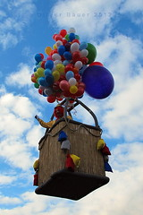 flying clown (Undertable) Tags: carnival sky flying clown balloon flight himmel bluesky lustig blau fasching blauerhimmel bunt korb fliegen luftballons flug luftballon wow1 undertable rosenmontagsumzug assamstadt oliverbauer mygearandme