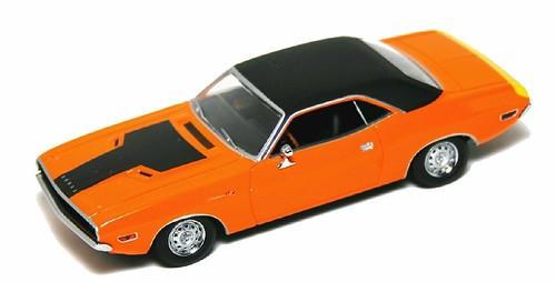Minichamps Dodge Challenger R-T