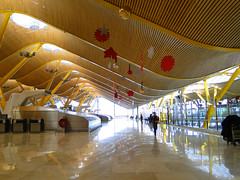 Aeropuerto de Madrid-Barajas   España (Thiago Piu) Tags: madrid trip travel españa spain espanha europa europe aeroporto aeropuerto barajas richardrogers antoniolamela aeropuertodemadridbarajas aeroportodemadridbarajas
