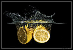 Lemon time (bgspix) Tags: fruits vegetables diy lemon interesting fishtank splash strobist benjamings sundayphotography bgsphotography bgspix