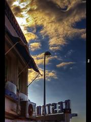 Vue sur ciel (Explored) ( / Cyril) Tags: sky lamp clouds marseille nikon ciel provence nuages hdr lampadaire rhul reverbere d90 cilou101