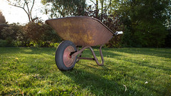 Rusty wheelbarrow (sjoukebakker) Tags: lighting sunset cactus grass metal rust flash 28mm nederland rusty ambient wireless 5d wheelbarrow trigger kruiwagen strobist sappemeer gisteq phototrackr gisteqphototrackr 5dmarkiii