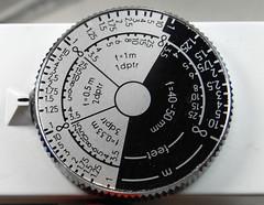 Zeiss Voigtlnder Contameter (07) (Hans Kerensky) Tags: 2 3 scale up zeiss 1 close dial rangefinder distance ikon voigtlnder diopter proxar contameter anywhitefieldtagbyflickrsspamtagbot