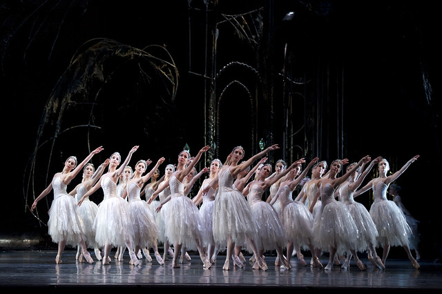 Artists of The Royal Ballet in Swan Lake, Act II © Bill Cooper/ROH 2011