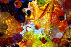 mog . walkway ceiling (Steven Schnoor) Tags: color chihuly art colorfull museumofglass glassart tacomawashington schnoor simplelogic glassdisplay fineartglass