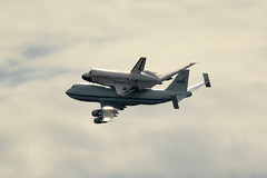Space Shuttle Discovery on 747 Departing (Mr.TinDC) Tags: washingtondc smithsonian flying dc inflight aircraft airplanes nasa explore boeing discovery spaceshuttle piggyback boeing747 turning 747 nationalairandspacemuseum banking flyby orbiter nasm spaceshuttlediscovery udvarhazycenter explored ov103