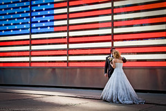 American Love (AgusValenz) Tags: nyc newyorkcity wedding usa ny newyork america canon couple unitedstates pareja flag boda marriage explore 7d bandera tamron matrimonio explored 18270mm