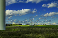 Giant scraping the sky with their long metal claw (R.I. Nelson) Tags: rural giant wind steel towers viento nubes couds acero gigantes