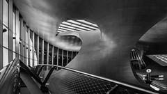 Moderne Architektur (jwfoto1973) Tags: bw white abstract black holland lines architecture modern nikon arnhem curves nederland railway bahnhof hauptbahnhof trainstation architektur monochrom schwarzweiss schwarz abstrakt niederlande arnheim linien weis kurven bgen d7100 arnhemcentraal johannesweyers