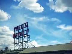 Soft Little Clouds (Sean Daniel) Tags: seattle blue sea sky clouds market pikeplace pnw