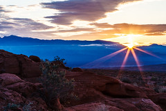 Dimensional Sunrise (James Marvin Phelps) Tags: valleyoffire sunrise photography sandstone arch desert nevada redrocks mojavedesert valleyoffirestatepark landscapephotography jamesmarvinphelps jamesmarvinphelpsphotography