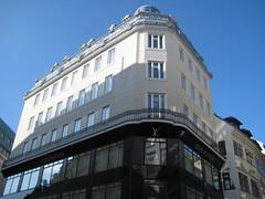 Louis Vuitton Vienna (Wiebke) Tags: vienna wien sterreich austria europe architecture architektur louisvuitton retaildesign