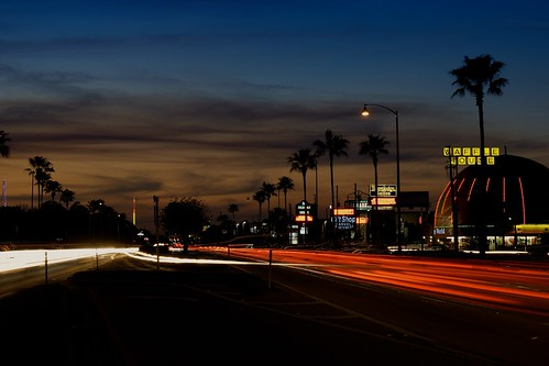 road longexposure sunset cars night buildings orlando traffic florida headlights shops skytower fleamarket kissimmee giftshop taillights orangeworld waffehouse travelodgesuites mexicangrille highway192 irlobronsonhighway