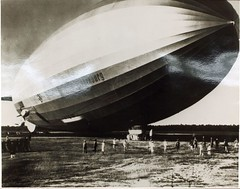 Zeppelin (San Diego Air & Space Museum Archives) Tags: aircraft aviation zeppelin airship hindenburg dirigible lighterthanair luftschiff dzr dlz129 lz129 deutschezeppelinreederei luftschiffbauzeppelin deutscheluftschiffahrtsaktiengesellschaft delag zeppelinlz129 lz129hindenburg luftschifflz129