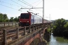 Ti rivedr......?!?!? (Maurizio Zanella) Tags: bridge river italia fiume trains ponte po valenza railways sr aw alessandria treni ferrovie autoslaaptrein eetc arenaways e4740098