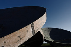(Mike Downing UK) Tags: abandoned field dish sunny lincolnshire radar stenigot pureawesome
